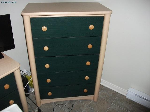 set de chambre complet marque palliser. Black Bedroom Furniture Sets. Home Design Ideas